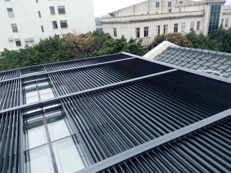 Powder Coating 1.0mm Retractable Louvre Skylight Roof System